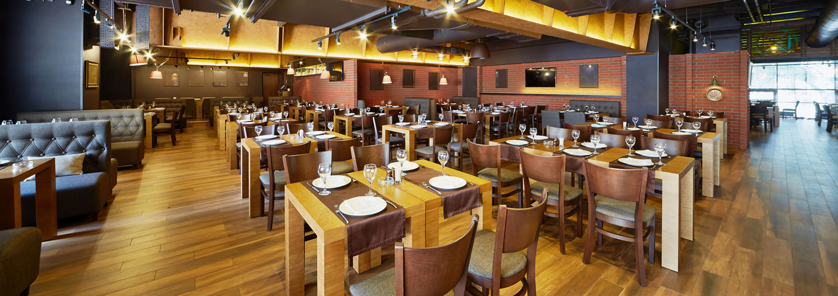 full size picture of hip restaurant